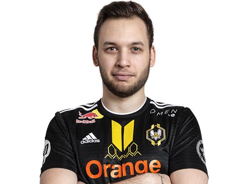 mickalow-joueur-professionnel-e-sports