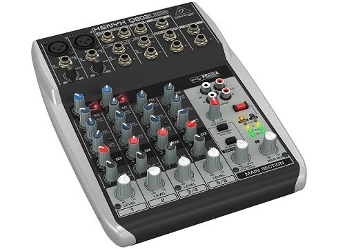 table-mixage-behringer-xenyx-Q802USB